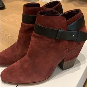 Dolce Vita Hilary in Bordeaux Suede 7